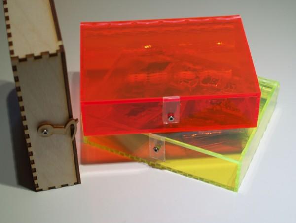 kleine Aufbewahrungsbox in Buchform